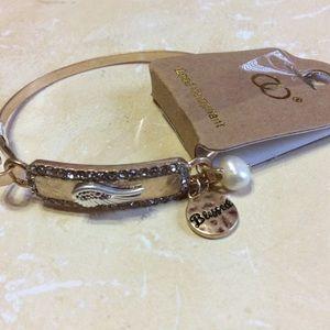 Wing Bar Bracelet